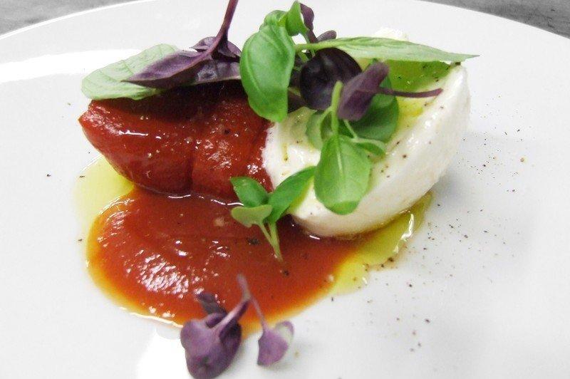 Peperoni-rossi-griliati-Chef-Antonin-Bonnet-1-Michelin-del-ristorante-Sergent-Recruteur__800x6001-e1458145497274