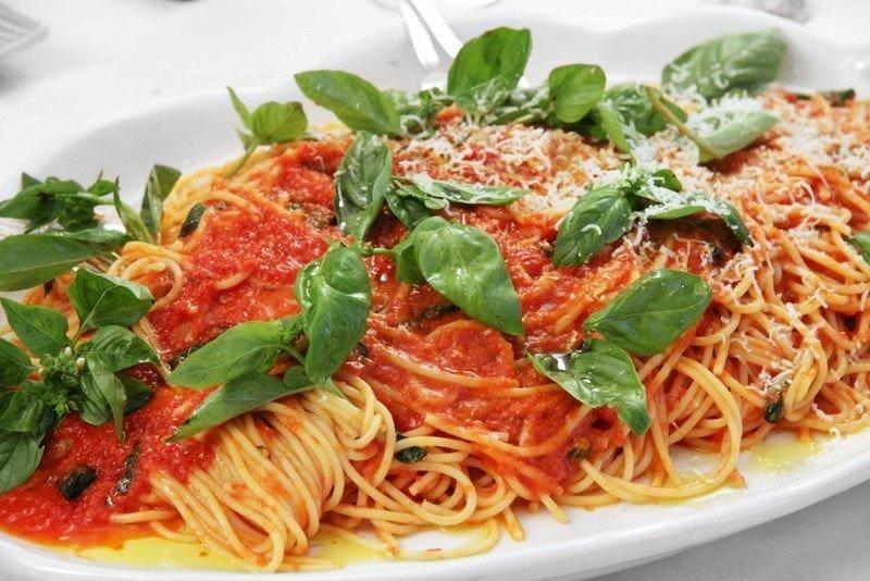 Spaghetti-Made-in-Italy-Chef-Daniele-Picelli-del-Ristorante-Charlie-1983_800x6001-1